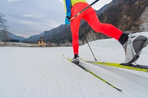 Как выбрать беговые лыжи: советы для новичков