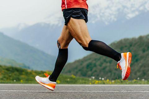 Мал, да удал: как выбрать носки для бега